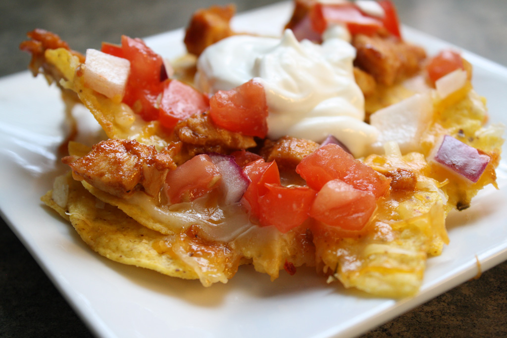 Three Cheese & Chicken Nachos! | Casa de Lindquist - Food