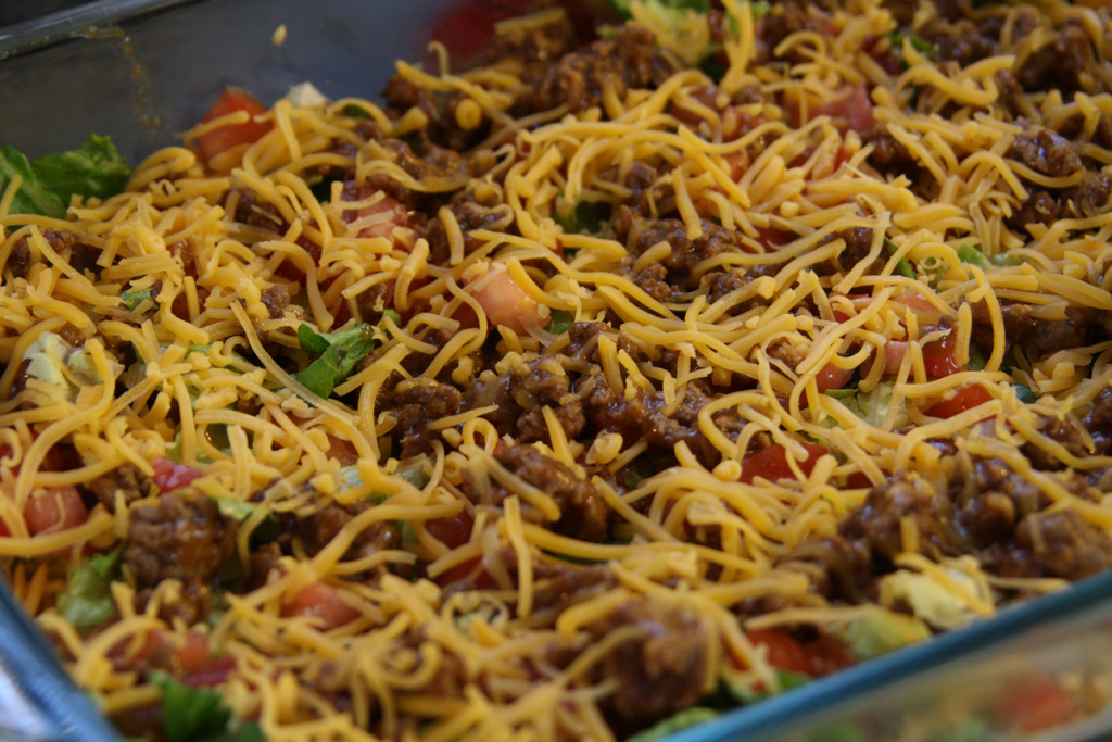 Taco Dip - as a meal or appetizer, it's delicious! | Casa de Lindquist ...